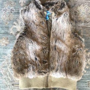 Juniors Faux Fur Vest with Zip Up